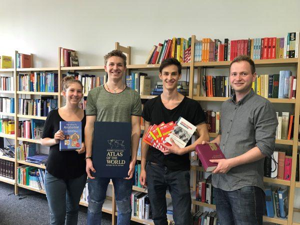 Unterstützung bei der Gestaltung der Schülerbibliothek 2017-18