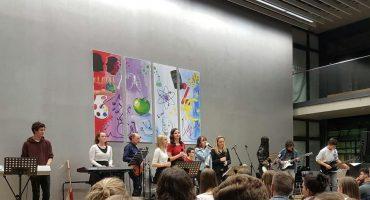 Konzert der Schulband der FOSBOS Fürstenfeldbruck am 28.03.2019